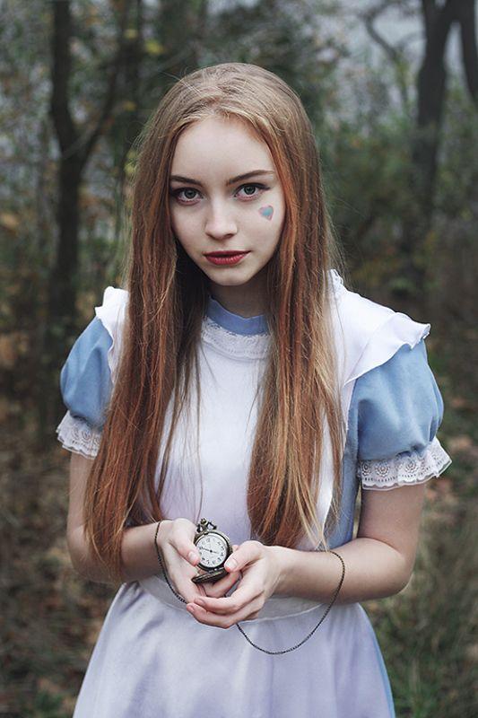 girl, model, aliceinwonderland,lewiscarroll, fairy, book, cosplay Alice in Wonderlandphoto preview