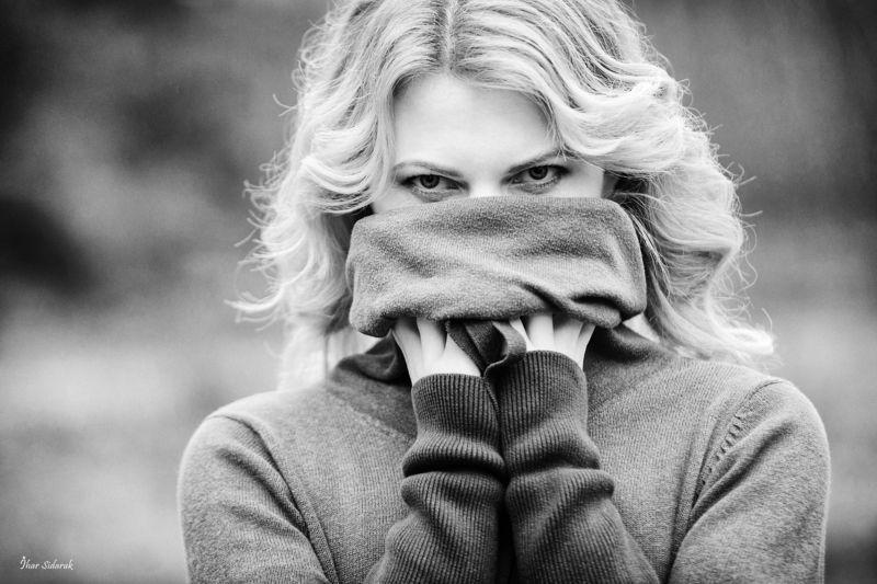 девушка, глаза, руки, взгляд, пальцы, черно-белая, bw, волосы, прическа Глаза мои - двери мои и замки мои...photo preview