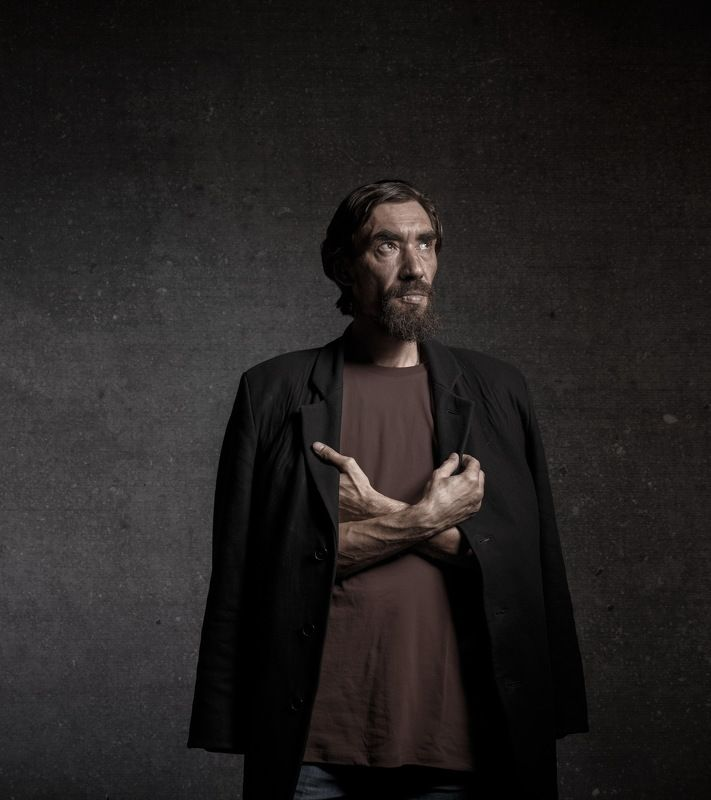 Концептуальный портрет художника Муринаphoto preview