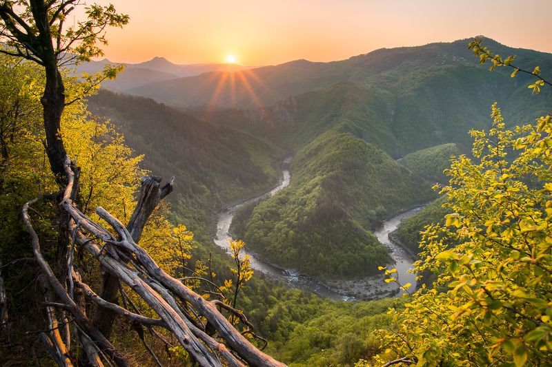 #rodopean_mountains, #sunrise, #travel, #bulgaria, #river, #arda, #meander, #spring, #journey Родопский восход солнцаphoto preview
