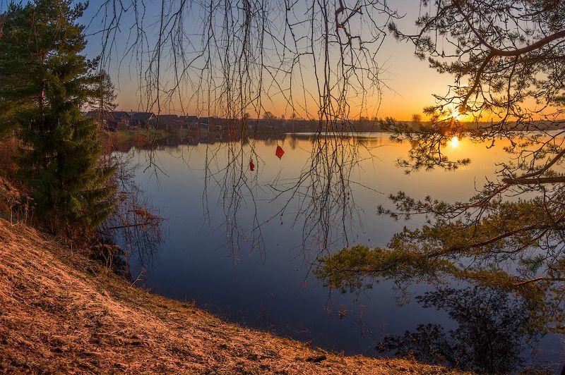 весна половодье река апрель листик утро рассвет разлив про весеннее солнышко, осенний листик и пловодьеphoto preview
