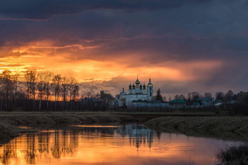 закат, отражение, солнце, река, монастырь Перо жар-Птицыphoto preview