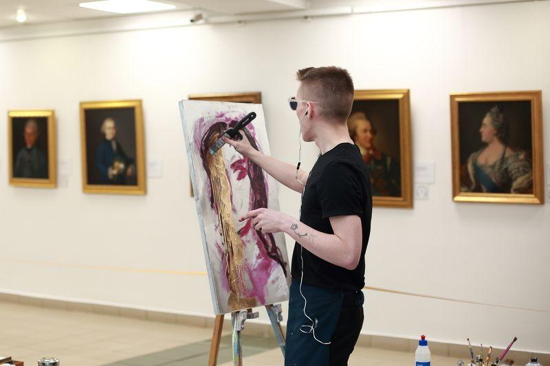 Портрет художник живопись Портреты разных времёнphoto preview