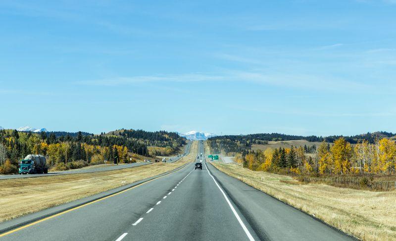 canada, alberta, travel, mountains, highway, road trip, canadian rockies, mountain peaks, snowy mountains, landscapes,канада, альберта, путешествия, горы, шоссе, дорога, канадские скалистые горы, горные вершины, снежные горы, пейзажи, Distant madnessphoto preview