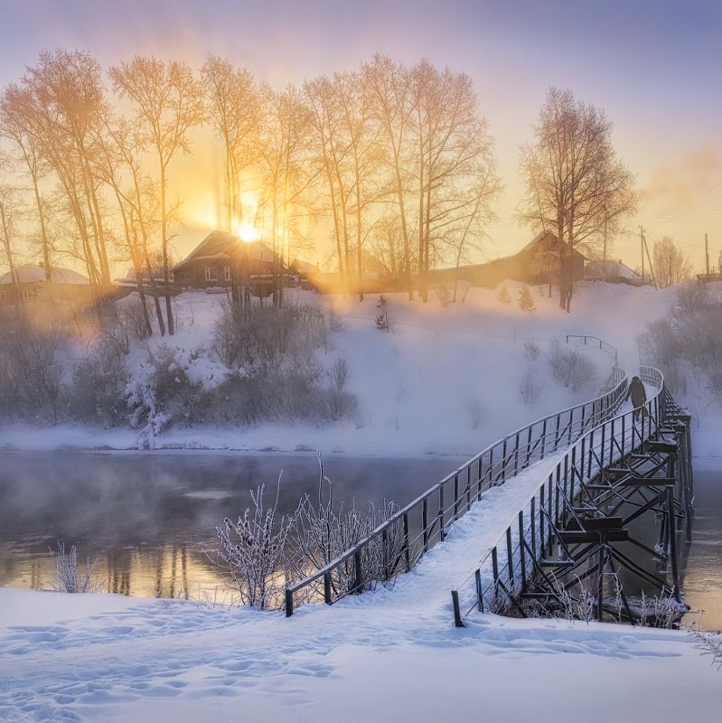 туман, зима, мост Первые лучиphoto preview