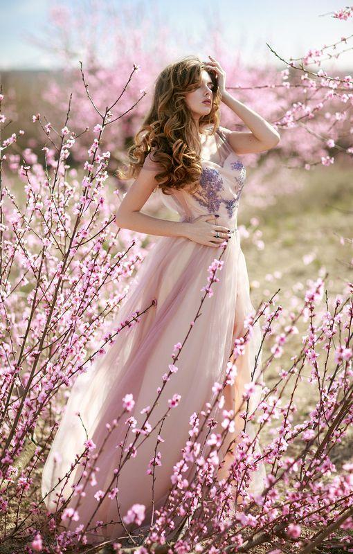 девушка, персиковый, сад, фотосессия, крым, фотограф, симферополь, портрет, фотосессия, весна, цветы, розовый, красота, солнечно, персики Персиковая Нимфаphoto preview