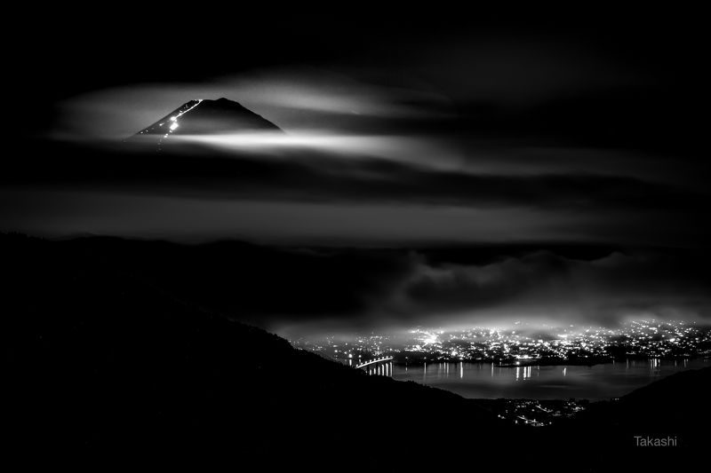 Fuji,night,clouds,mountain,Japan,lake,light, Mountain climbing of the heavensphoto preview