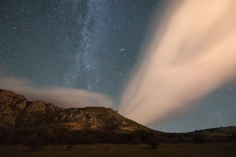 ночь, демерджи, крым, млечный путь, горы, звезды, астрофотография, лентикулярные облака, ночное небо Звёздная ночь у подножия Демерджиphoto preview