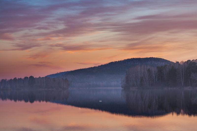 миасс, закат, пруд, дым Прекрасный закат для одинокой бесстрашной пластиковой бутылкиphoto preview