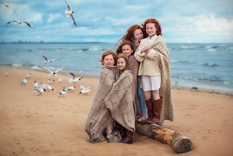 рыжие дети море photo preview