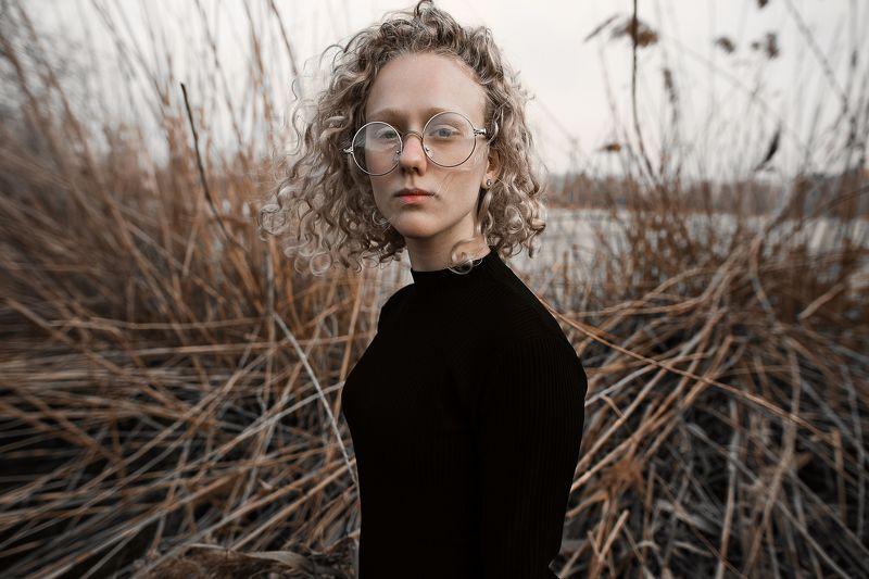 Портрет, женский портрет, девушка, взгляд, Россия  Сашаphoto preview