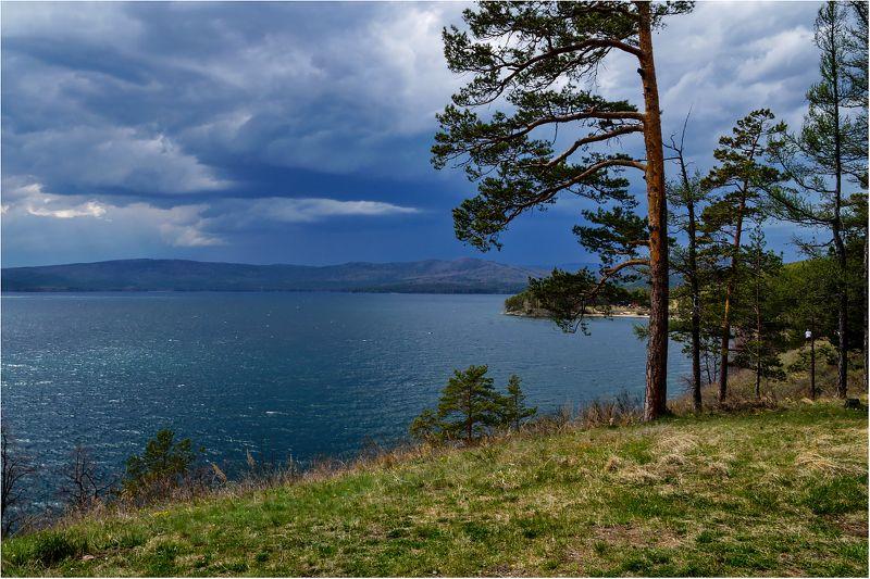 озеро тургояк, южный урал. Майская гроза...photo preview