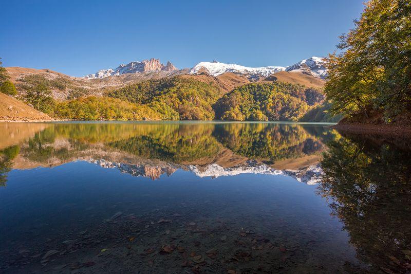 пейзаж, озеро, горы, лес, осень, отражение, вода, небо, азербайджан Озеро Маралгёльphoto preview