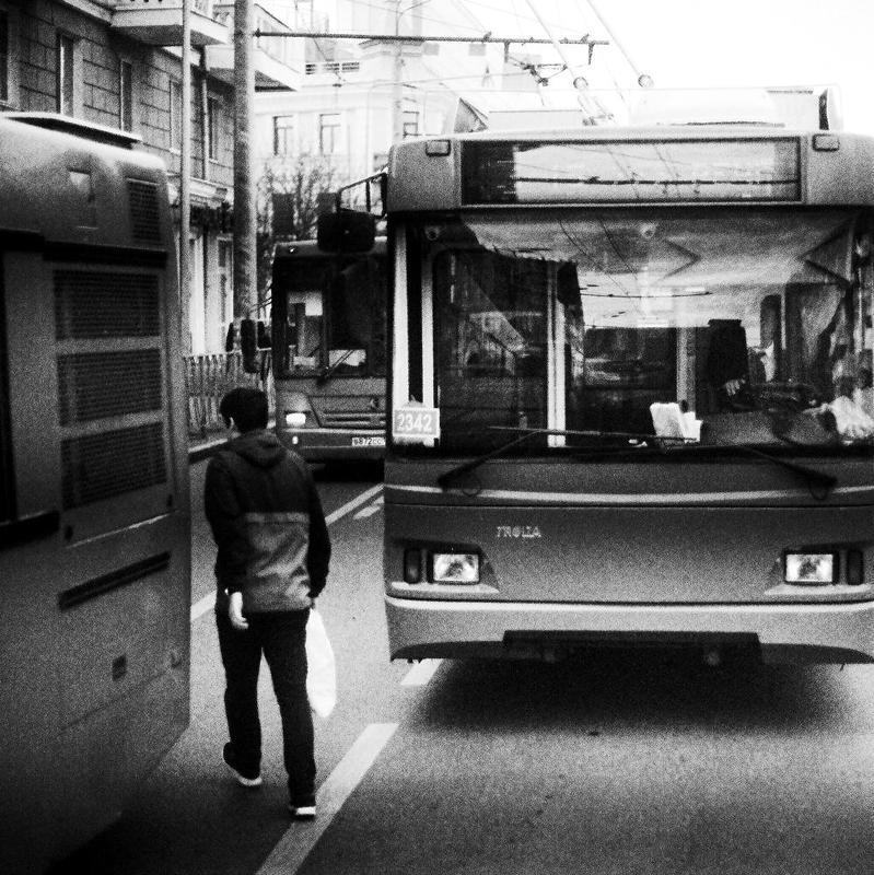 город, улица, люди лабиринтphoto preview