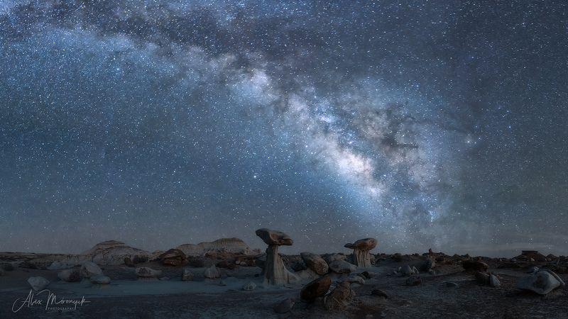 сша, пустыня, бэдлендс, глиняная, панорама, млечный, путь, звезды, ночь, скалы, грибы, каменные Бескрайние Глиняные пустыни Нью Мексикоphoto preview
