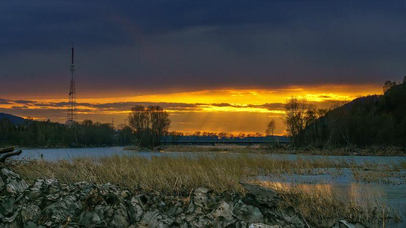 весна, река, Междуреченск, ледоход, закат.  Весенняя зарисовка. photo preview