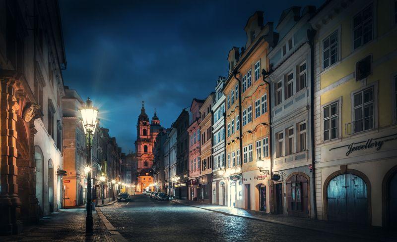 прага, рассвет, улица, небо, фонарь, чехия, дорога, город, архитектура  Пасмурный рассветphoto preview