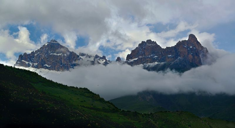КБР вид на гору Ликоран  Верхняя Балкарияphoto preview