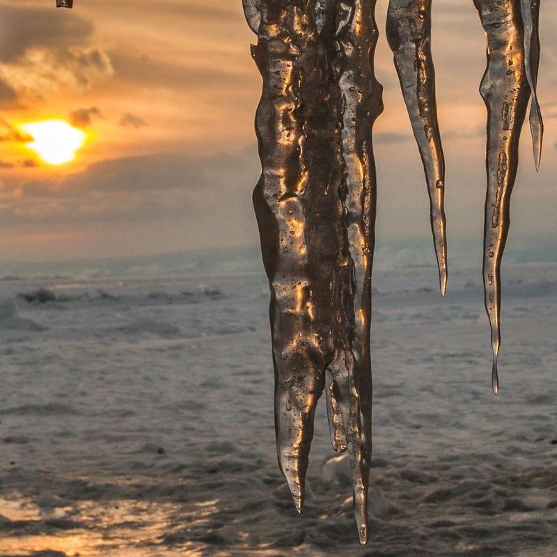 Байкал, лед, сосульки, закат, солнце Байкалphoto preview