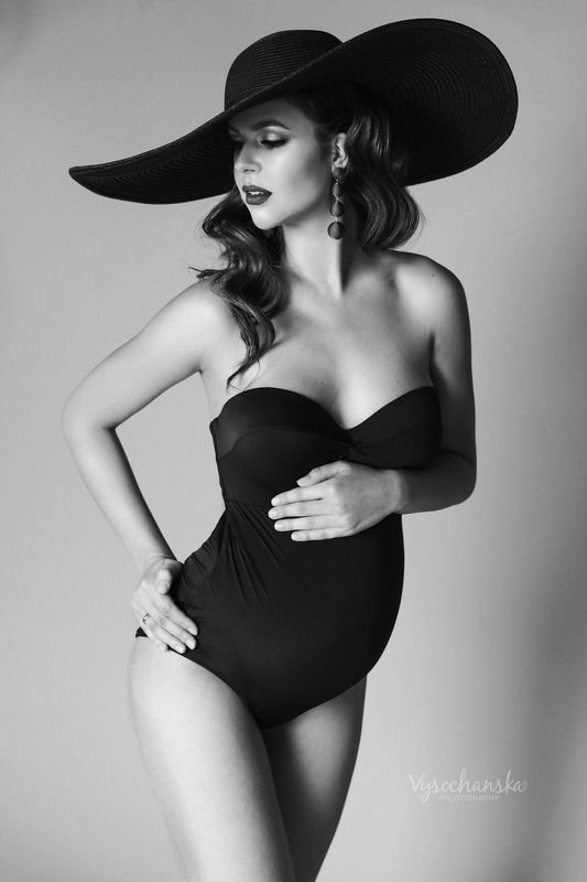 maternity, black and white, belly, family, fashion Maternity in black and whitephoto preview