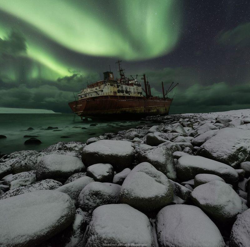 aurora borealis, aurora, полярные сияния, северное сияние, заполярье, побережье, кораблекрушение, север, ночь ***photo preview