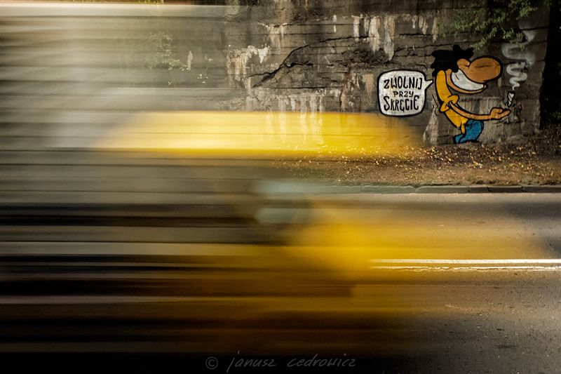 chorzow,silesia,poland,graffiti,spray,sprayart,painting,wall,car,speed,drive,city,road,street,color,colorful, ...photo preview