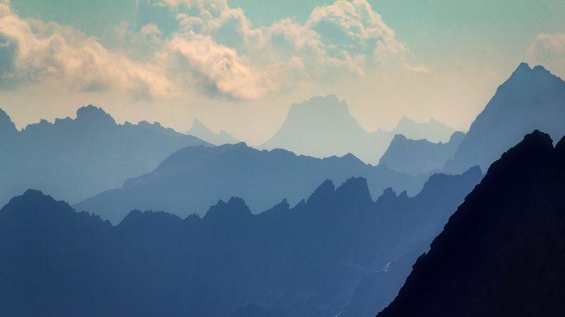 горы, перспектива, небо, облака, воздух, синий Воздухphoto preview