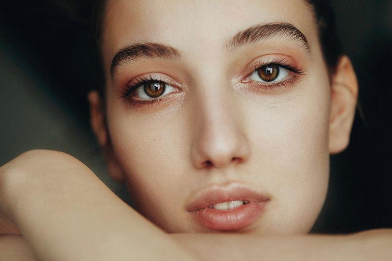 portrait girl model natural light inspiration ****photo preview