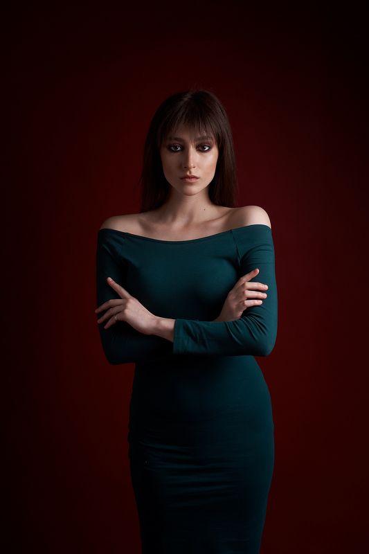 portrait, low key, girl, red, портрет, девушка Маринаphoto preview
