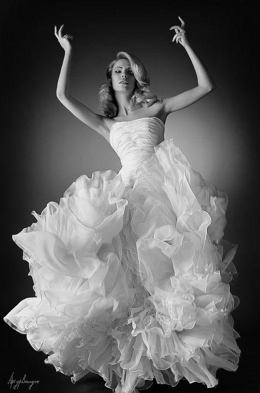 свадебное платье,невеста,свадебная Темпераментная невестаphoto preview