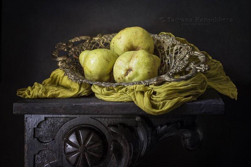 натюрморт, груши, ваза С грушами сорта пакхамphoto preview