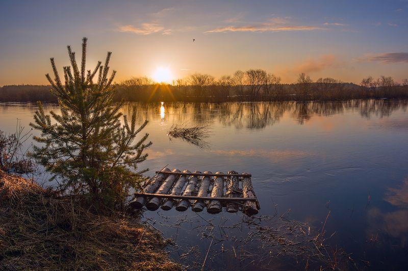 весна, половодье, утро, рассвет, деревня, забор, река про Весну и хорошее настроение...)photo preview