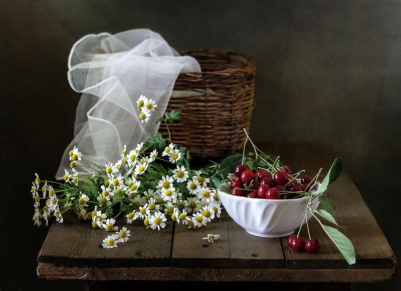 натюрморт, цветы, still life С вишнейphoto preview