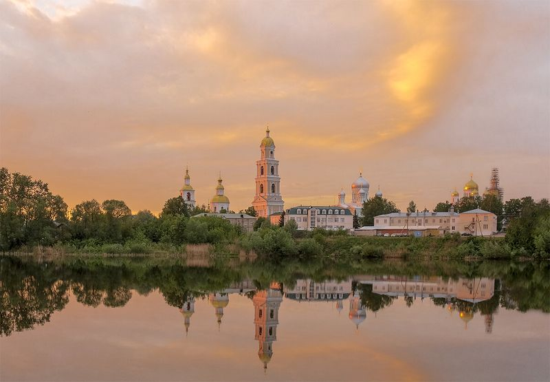 дивеево,монастырь,весна Закатноеphoto preview