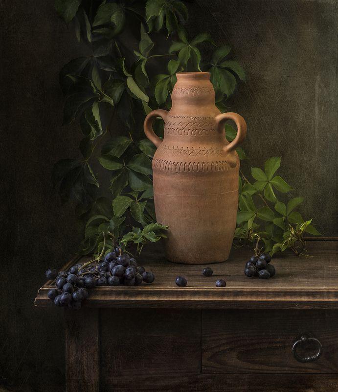 натюрморт, ягоды, виноград, still life Амфора и виноградphoto preview