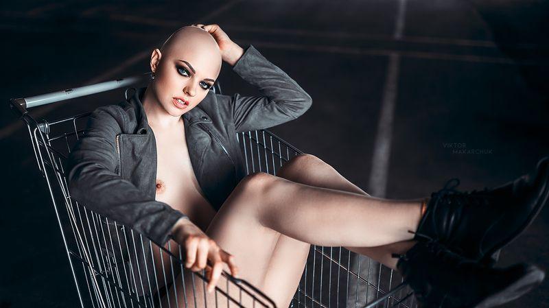 nude, portrait,model,nu,color,face,bald,look,mood, style,parking,shop,lifestyle * * *photo preview
