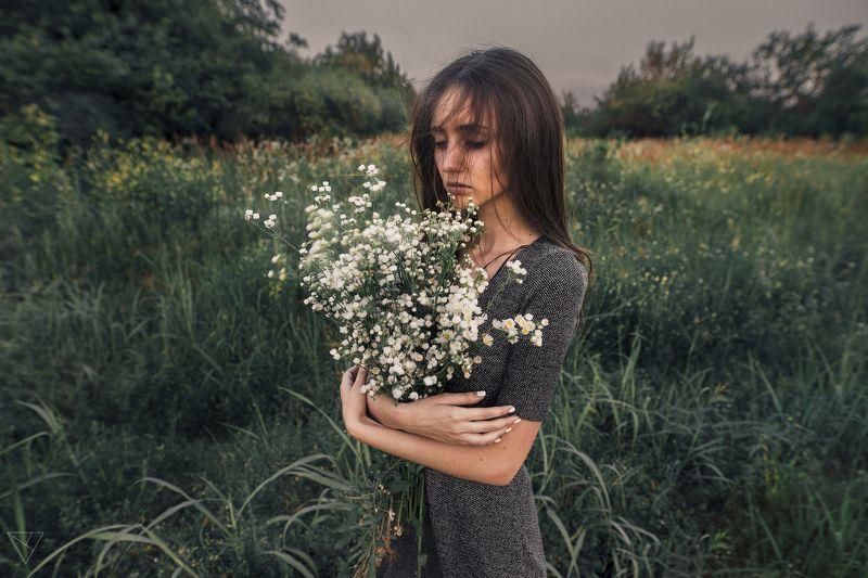 Портрет, женский портрет, девушка, взгляд, Россия  Алинаphoto preview