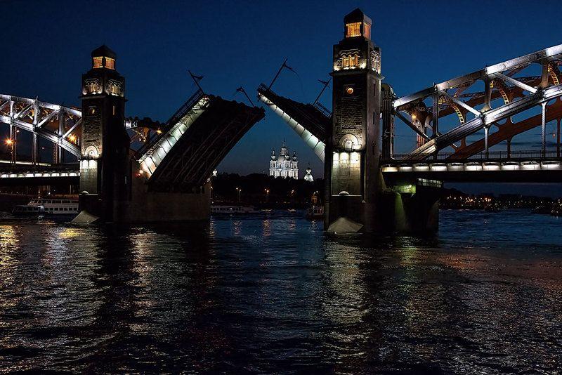 нева,питер,мост,разводной мост Вратаphoto preview