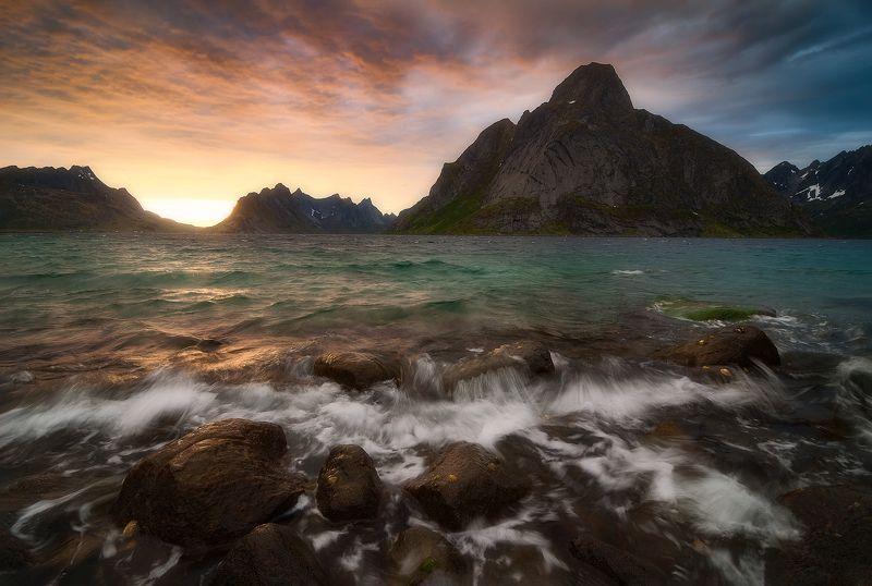 reine, lofoten islands, norway The land of infinite lightphoto preview
