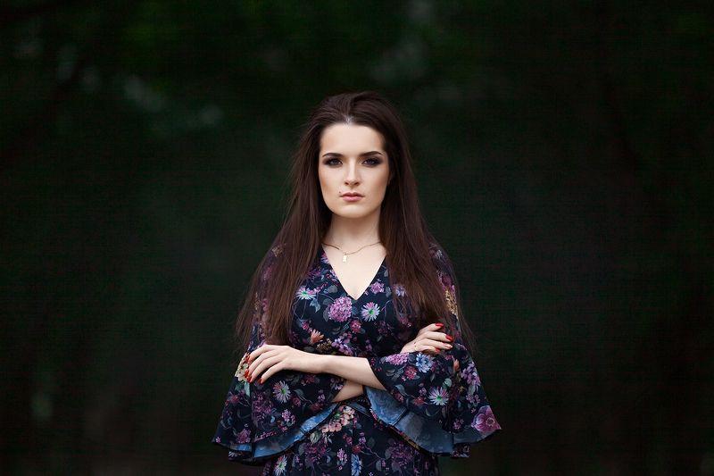 Портрет, парк, макияж, прическа, платье, взгляд, яблони, Новицкий Илья ***photo preview