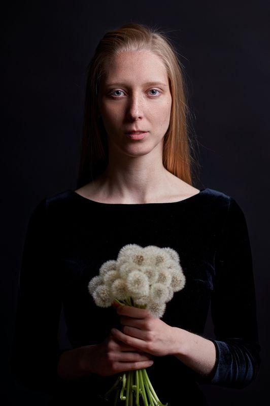 портрет, девушка, хлопок, глаза, голубые глаза, portrait, low key, blonde Оляphoto preview