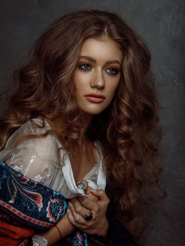 девушка, портрет, кудри, винтаж, разия, картина алматы казахстан фотостудия Винтажphoto preview