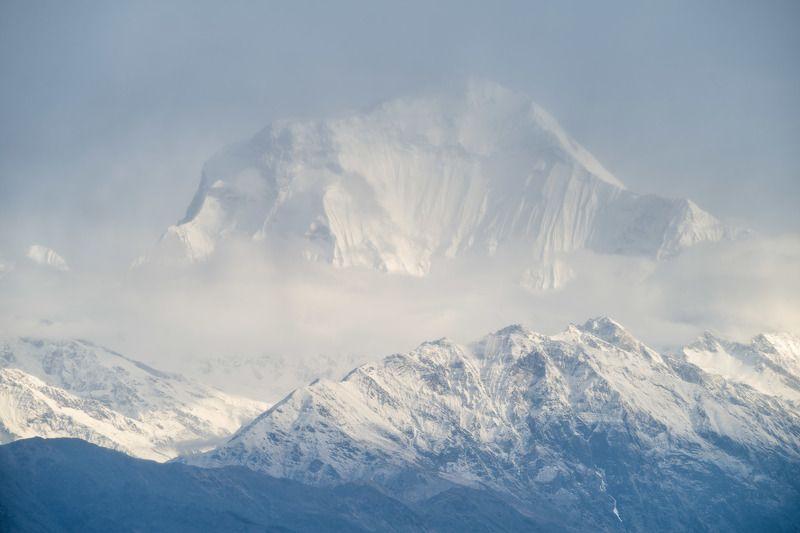 непал, гималаи, аннапурна, дхаулагири, горы, Дхаулагири, плывущая в облаках. 8168 м.photo preview