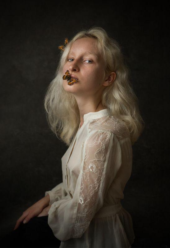 model, butterfly, girl, slavic Zofiaphoto preview