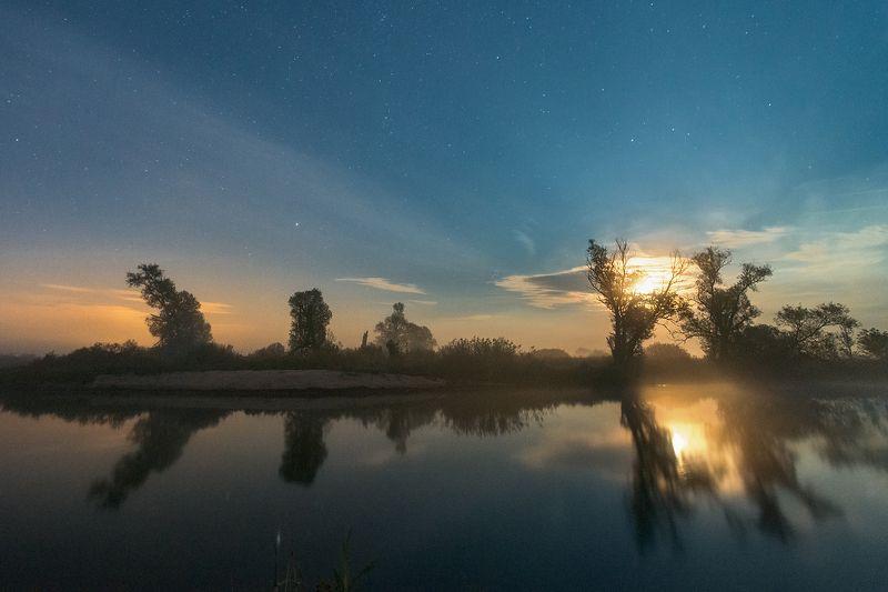 ночь,луна,отражениея Восход луныphoto preview