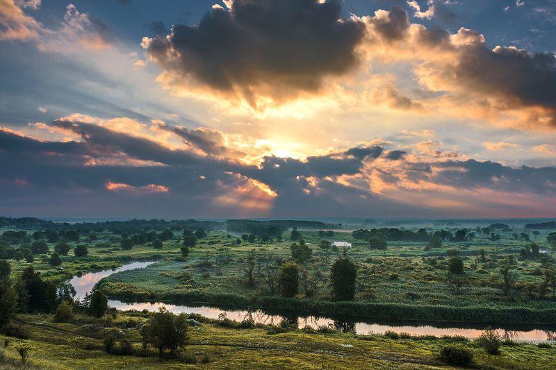 лучи,свет,тучи,утро,рассвет Лучи сквозь тучиphoto preview