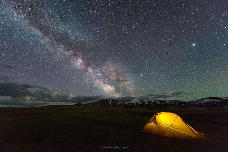 songkol, kyrgyzstan, nikon, milkyway, stargazing, tent, nightscape, mountains, landscape, stars, nightsky, glowingtent, tianshan, киргизия, сонкуль, млечныйпуть, палатка Отель 5 миллиардов звезд на озере Сон-Кульphoto preview