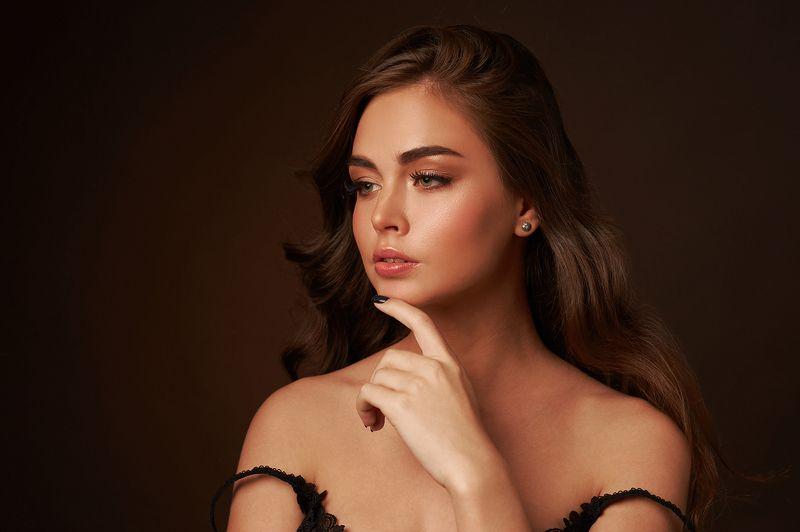 портрет, девушка, студия Аринаphoto preview