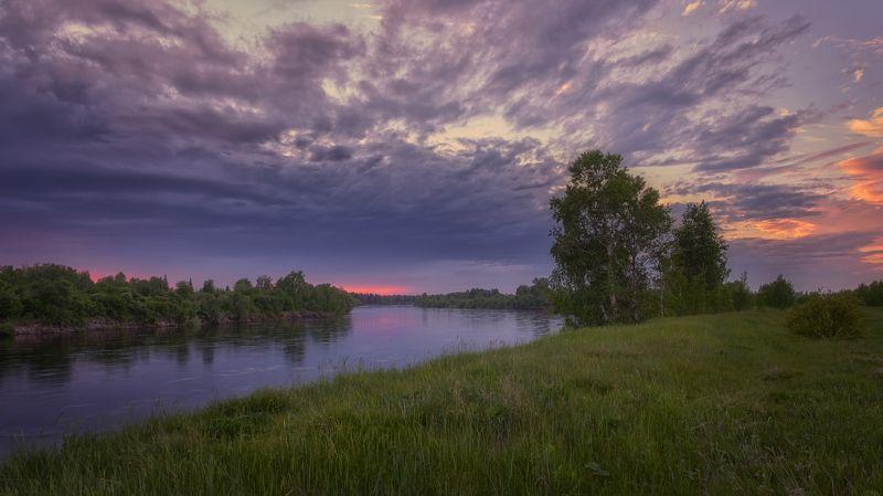 берег реки,закат,облака, так день устало догорал...photo preview