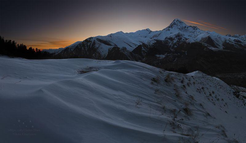 Казбек, Казбеги, Кавказ, Грузия, зима, горы, закат Вечерний Казбекphoto preview